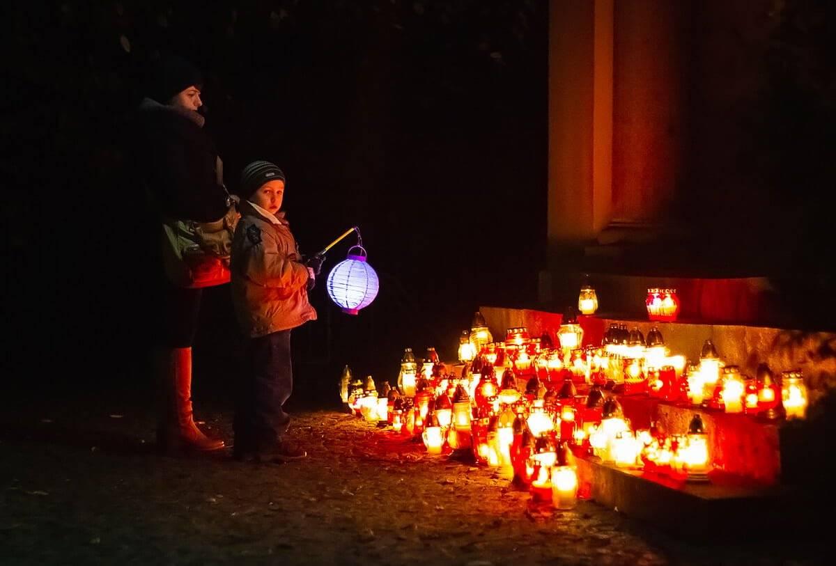 Fakla - siołkowicka tradycja na Święto Zmarłych stare siołkowice