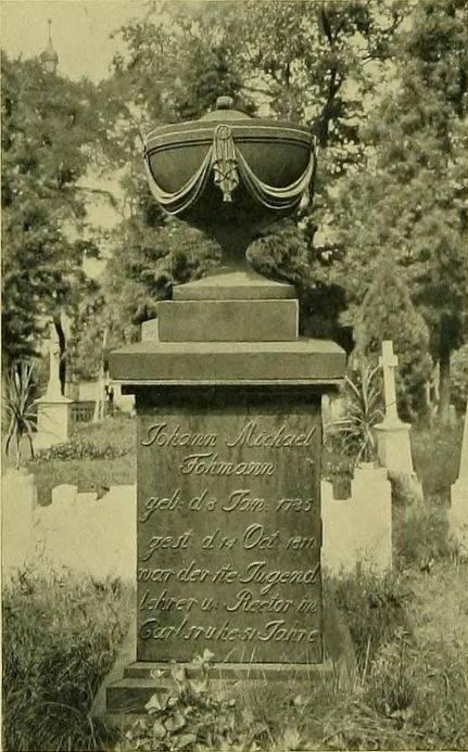 Nagrobek z żeliwa z 1813 r. - cmentarz w Pokoju