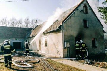 Pożar domu jednorodzinnego w Starych Siołkowicach